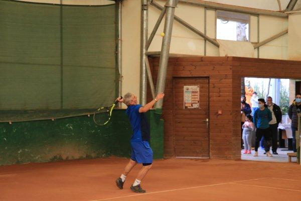 تجلیل از پیشکسوت ورزش تنیس ابراهیم صفدریان
